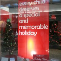 rose-brooks-center-holiday-store-banner-01